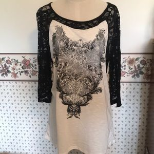 Black lace & off white 3/4 sleeve T-shirt